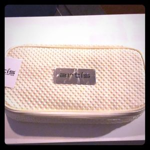 NEW! Artis brush travel bag.